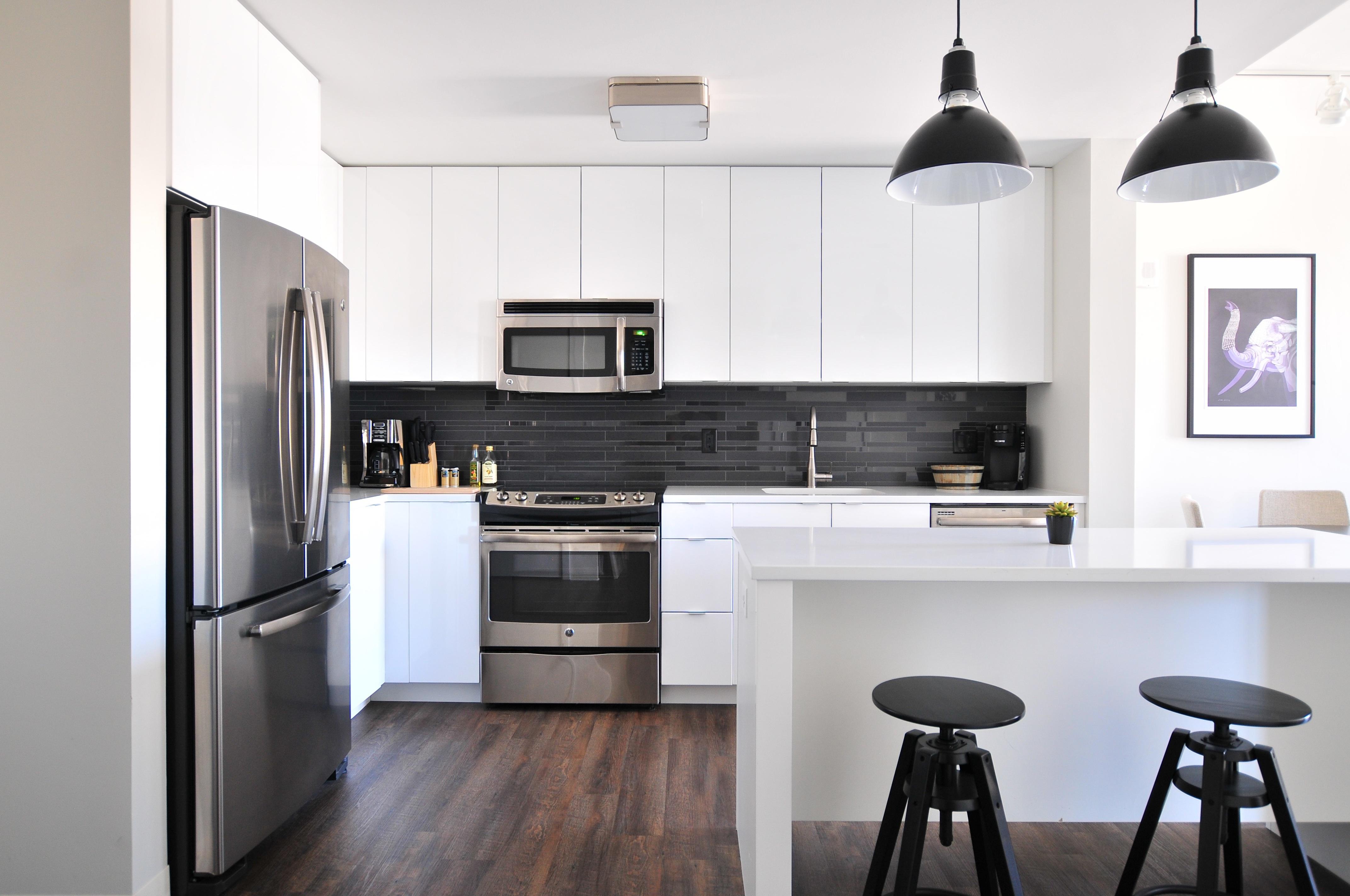 prepara tu cocina decorada para airbnb