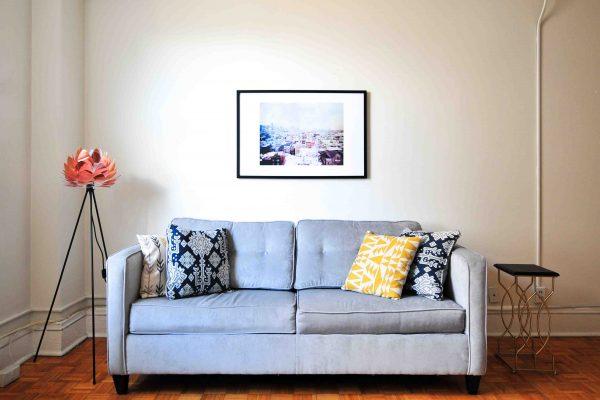 organización hogar sofá