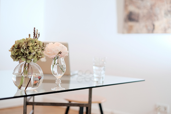 mueble cristal amplitud