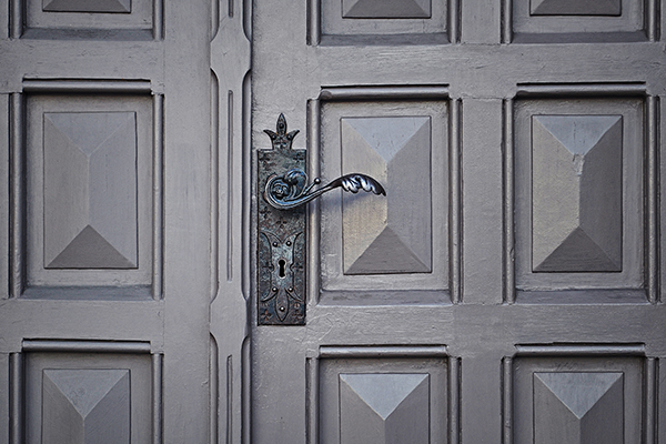 puerta madera pomo