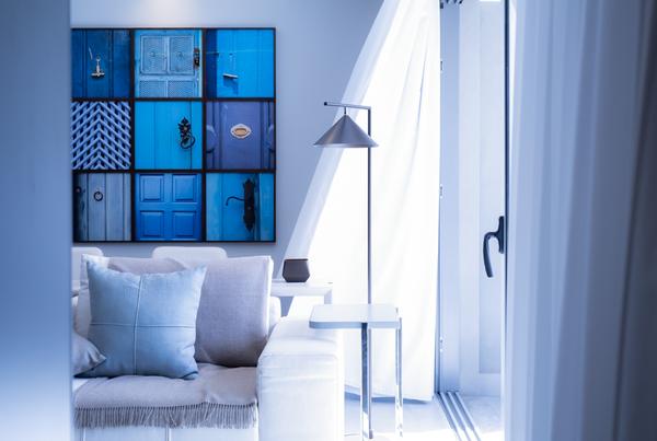 decoración con fotos monocroma azul